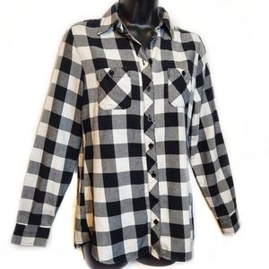 Hot Topic Checkered Plaid Button Down Long Sleeve
